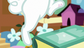 Angel Bunny loses his footing S7E5.png