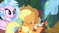 Applejack declining Rainbow's offer S8E9