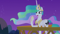 Celestia -I can talk to ponies in their dreams!- S7E10