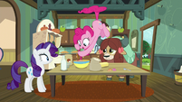 Pinkie Pie floats as she adds icing S9E7
