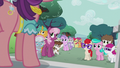 Ponies listening to Spoiled Rich S5E18.png