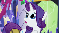 Rarity can't decide which decoration to remove S5E3