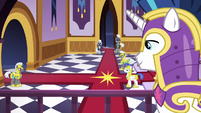 Shining Armor sees guards in castle lobby S9E4