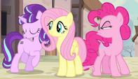 Starlight cantando ''Otros ponis dicen'' EMC-P1