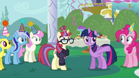 Twilight gestures toward Spike S5E12