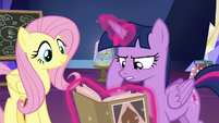 Twilight trying to find info on the flower S9E22
