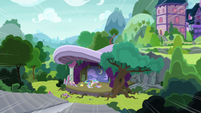 Celestia's voice echoes beyond the theater S8E7