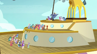 Cruise ponies gather for the grand prize raffle S7E22