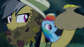 Daring Do holding bag of bits S4E04.png
