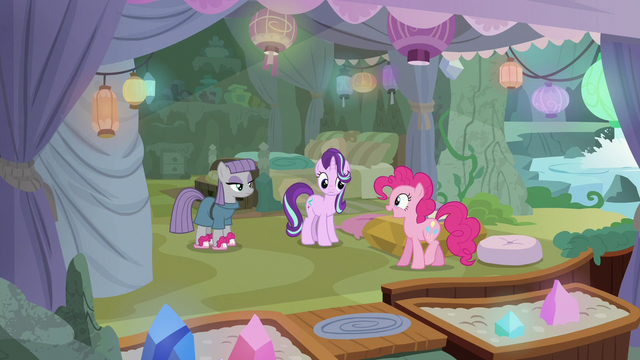 "File:Pinkie Pie ""now I'm really leaving"" S7E4.png"