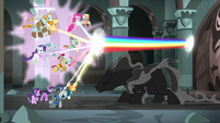 Pony of Shadows ducks under beam of rainbow light S7E26