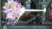Pony of Shadows ducks under beam of rainbow light S7E26