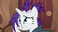 Rarity laments her mane at Zecora's hut S7E19