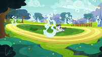 Rumble setting up cloud rings on the racetrack S7E21