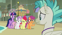 Scootaloo's friends unamused by her joke S8E6