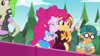 Sunset and Pinkie take a selfie together EGSBP