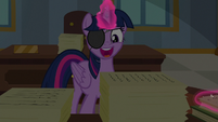 "Twilight Sparkle ""aha!"" S8E16"