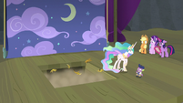 Young Six fall through the trapdoor S8E7