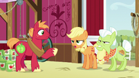 Applejack and Granny --can't plow a field with 'em-- S6E23
