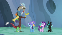 "Discord ""love to sit around chitchatting"" S6E26"