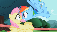 Rainbow Dash looking at Fluttershy S2E07