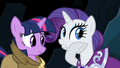 Rarity be jewels inside S2E11.png