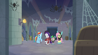 Rarity disgusted by the filthy catacombs S9E4