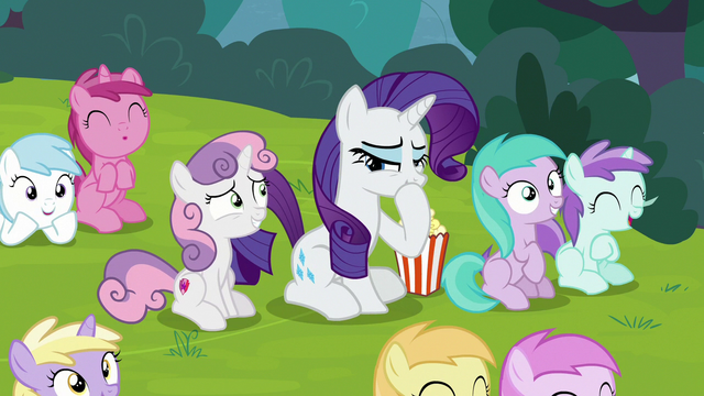 File:Rarity laughing at the puppet show S7E6.png