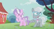 S02E06 Diamond Tiara i Silver Spoon śmieją się