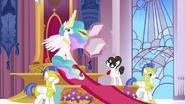 S03E01 Księżniczka Celestia przy pracy