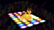 S4E12 Cheese tańczy na dyskotekowej podłodze