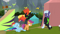 Short Fuse shouting at Rainbow Dash S8E20