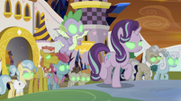 Starlight, Spike, and ponies Sombrafied S9E2