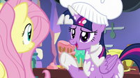 "Twilight Sparkle ""I'm glad you're here, Fluttershy"" S7E20"