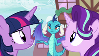 Twilight and Starlight look at each other's manes S7E15