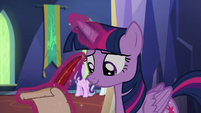 Twilight taking notes on Starlight and Rarity S6E21