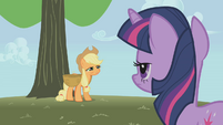 Applejack about to collapse S1E04