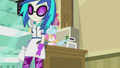 DJ Pon-3 walking away EG2.png