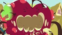 """Giant apple shouting """"I love you!"""" S9E23"""