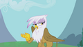 """Gilda """"never get that lame thing out of my head"""" S1E05.png"""