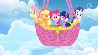 Main ponies in balloon afraid S3E07