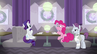 Pinkie Pie still doesn't like the food S6E12