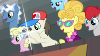Ponies cheering for Bloofy S9E22