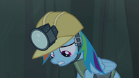 Rainbow Dash scared S5E8
