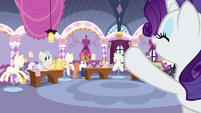 Rarity greeting the fashion contest ponies S7E9