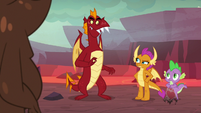 Smolder gets between Garble and Spike S9E9