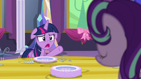 "Twilight ""so I could work in a friendship lesson"" S06E06"