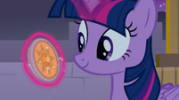Twilight turns amulet to sun setting S9E17