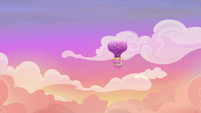 Mane Six take the hot-air balloon to Yakyakistan S7E11