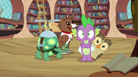 Owlowiscious behind Spike S3E11
